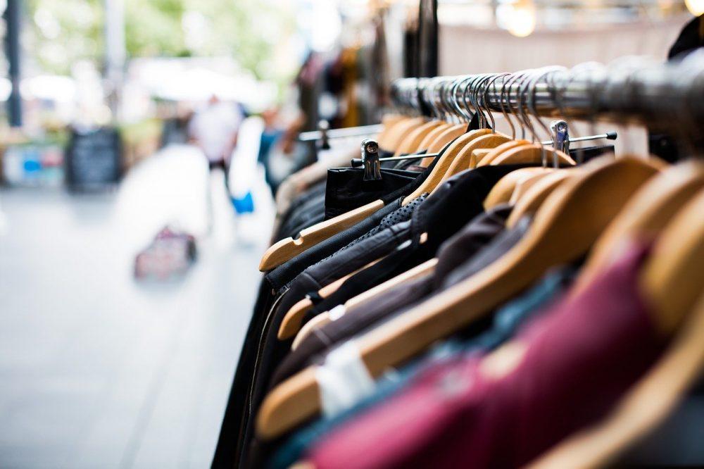 Fase 2, riapertura negozi di abbigliamento: le regole da seguire